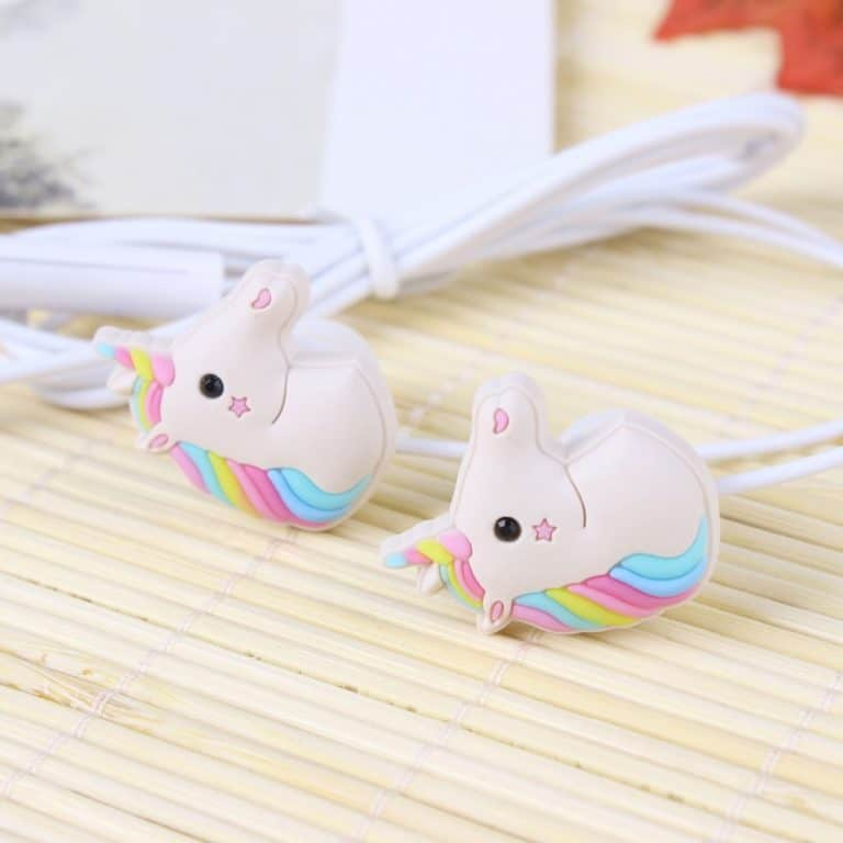 Screenshot of unicorn-shaped earphones as an example of cute products for dropshipping