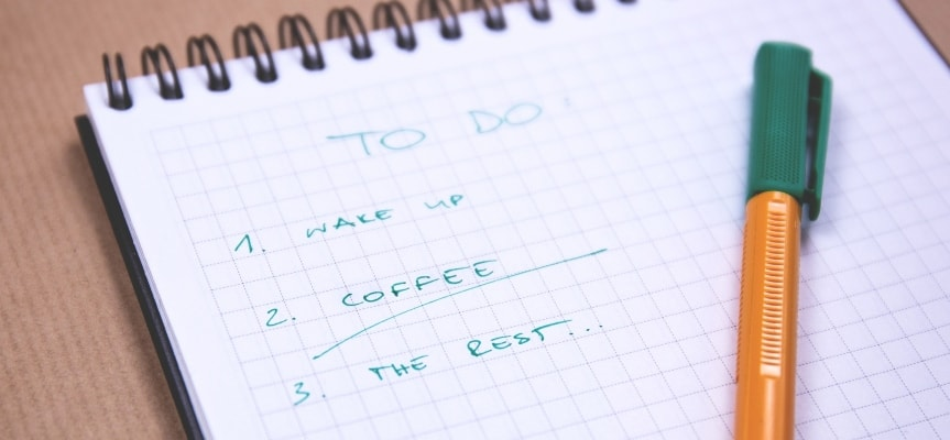 Another way to stay focused is to make to-do lists containing everything you need to finish by the end of the day