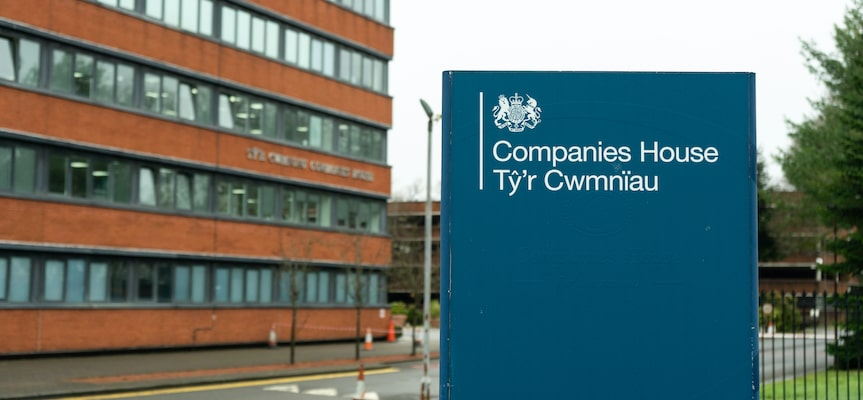 a picture showing the companies house in the UK